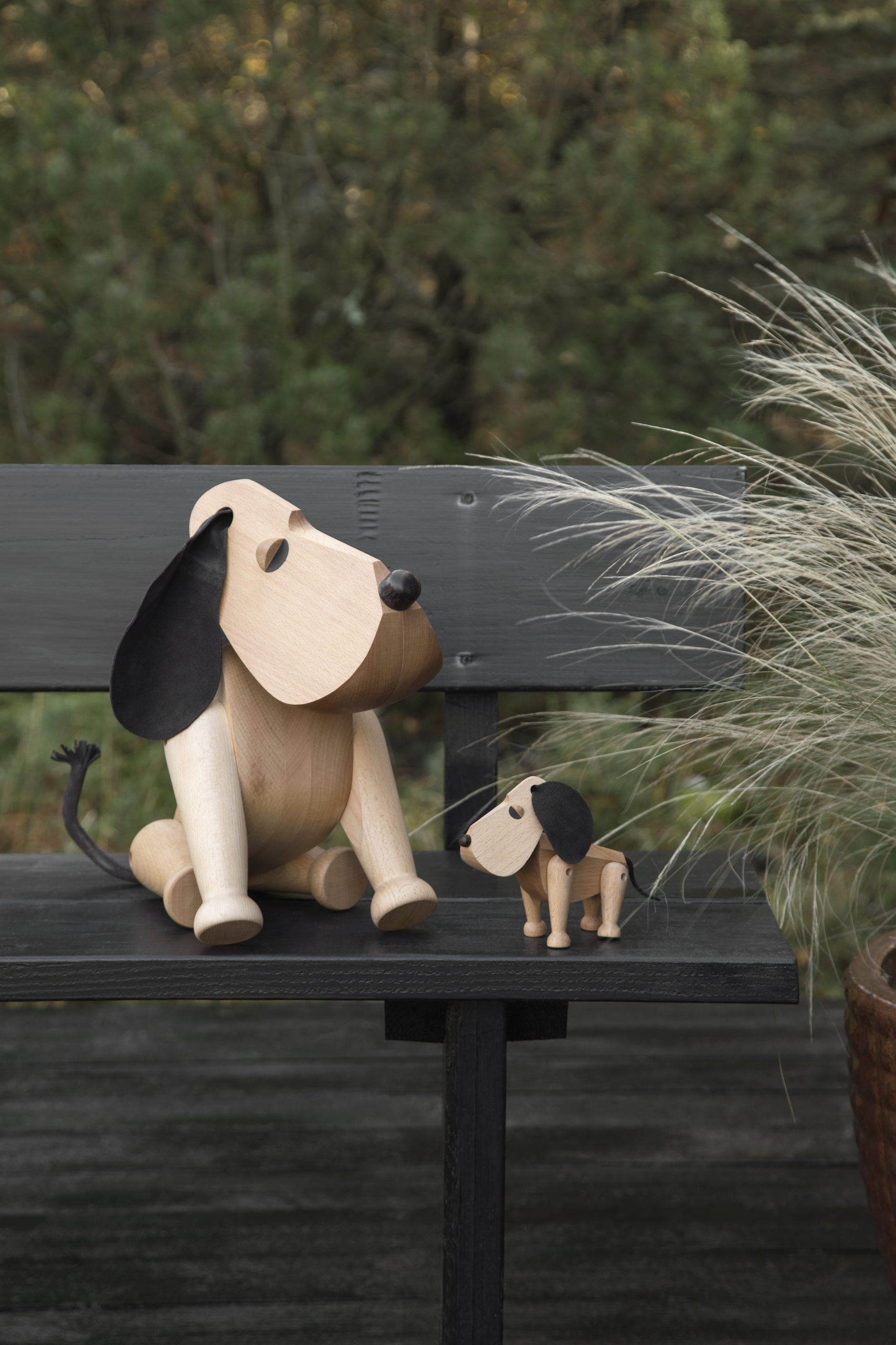 ARCHITECTMADE Oscar Rufus Beech Wood Dog Denmark Hans Bølling