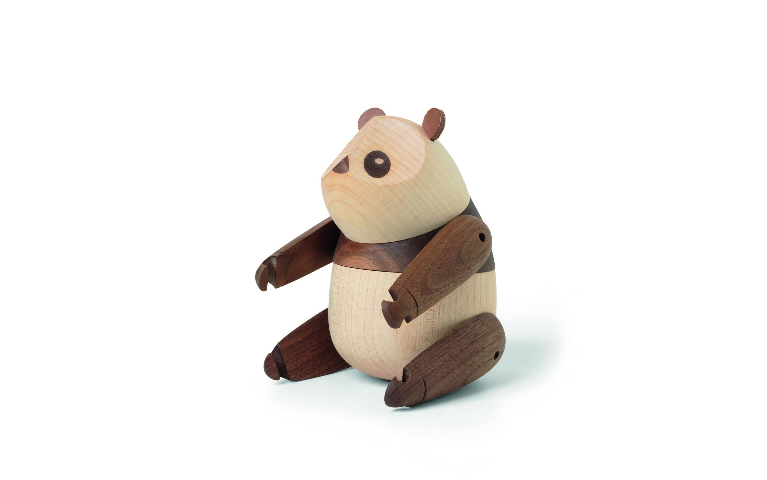 ARCHITECTMADE Panda Large Walnut Maple side Bjarke Ingels