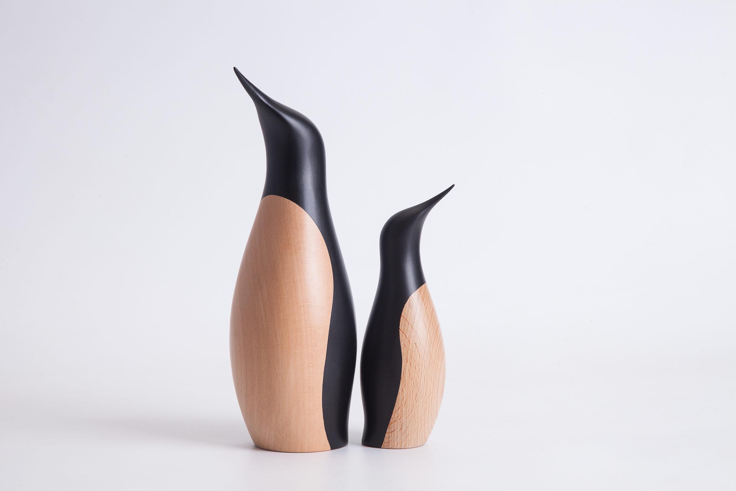 ARCHITECTMADE Penguin family Beech Hans Bunde