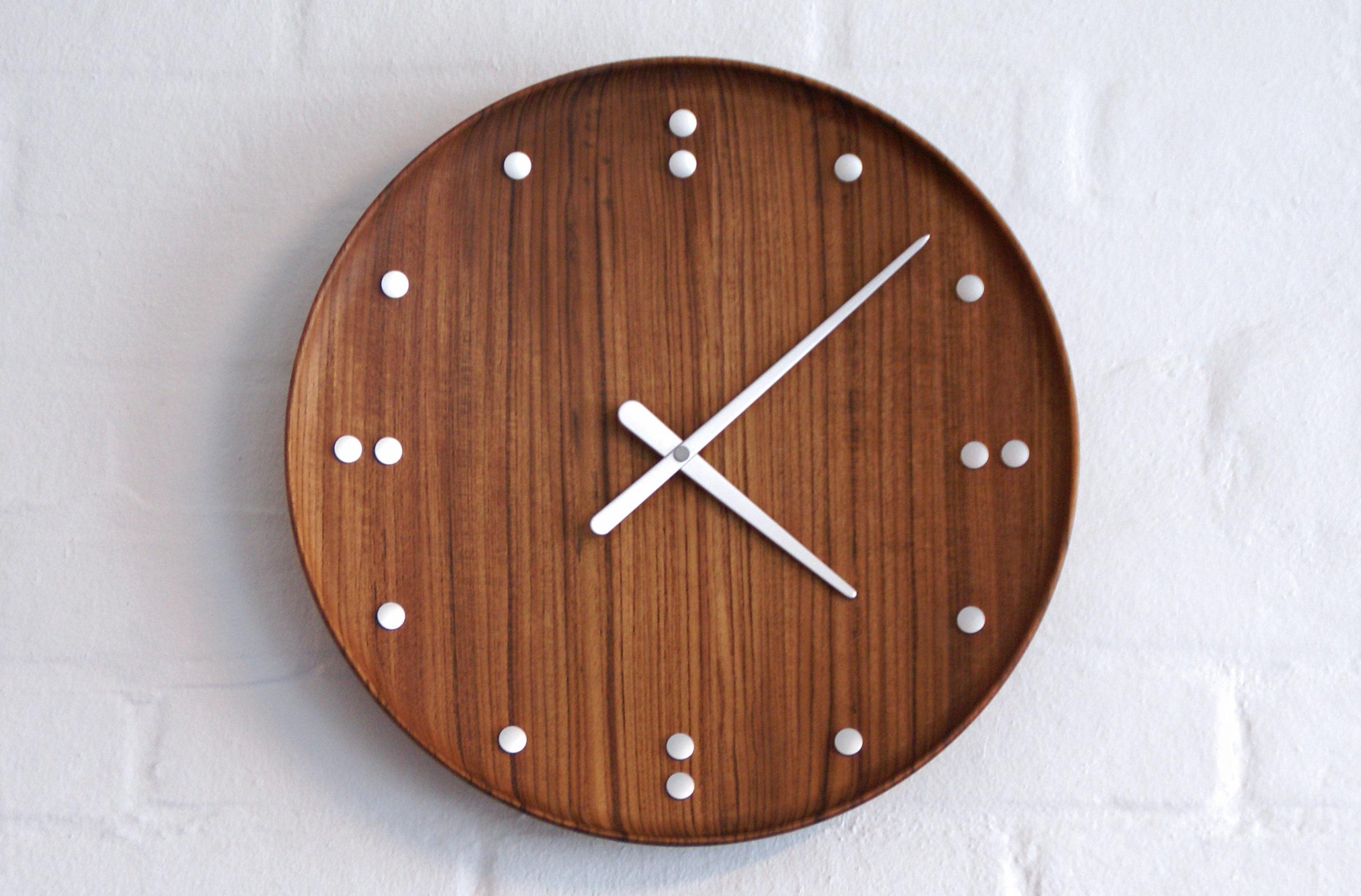 Architectmade-FJ-Clock-35-Wall-Teak-Finn-Juhl-3