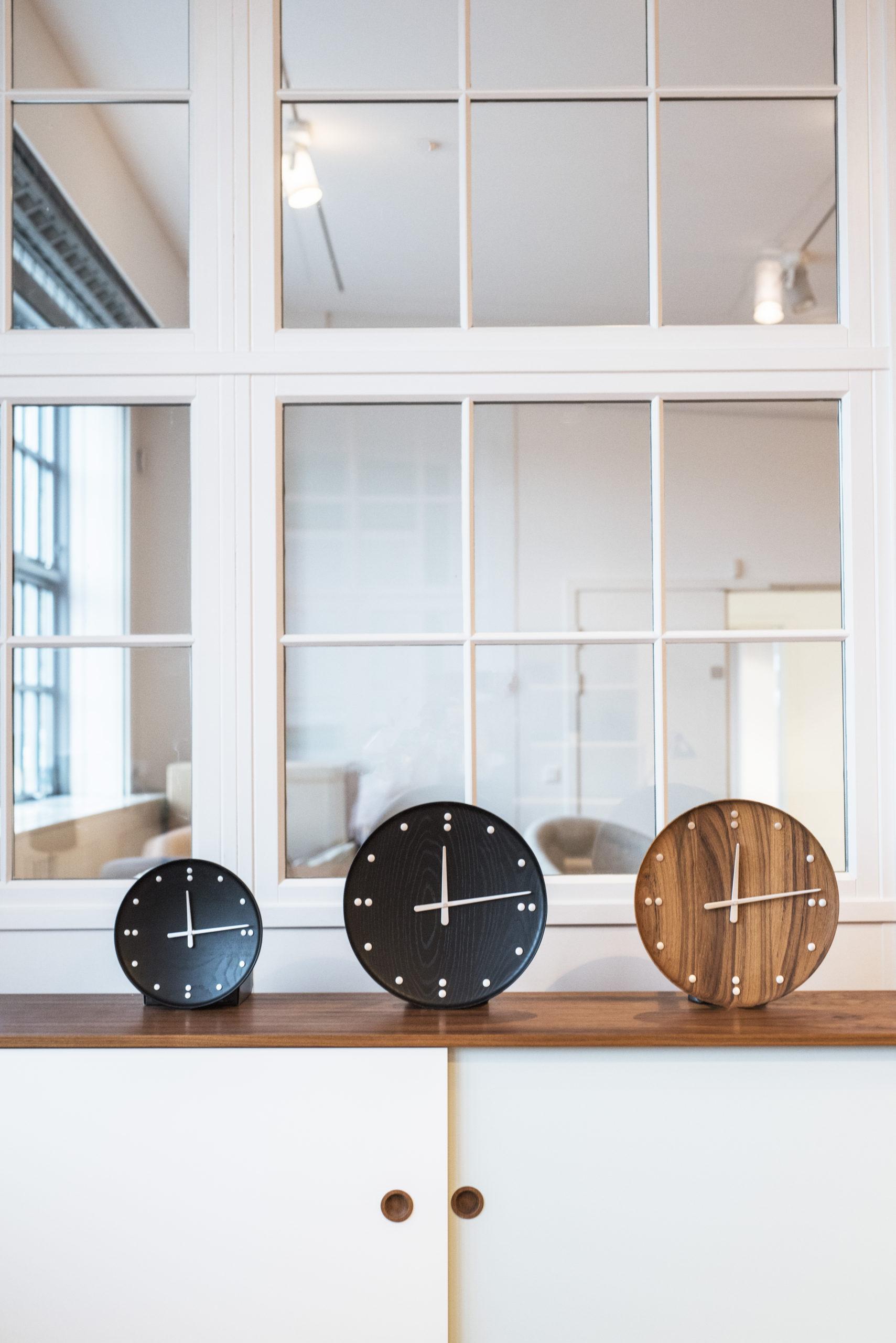 Architectmade-FJ-Clock-Wall-Clock-Teak-and-Ash-Wood-Denmark-Finn-Juhl-3