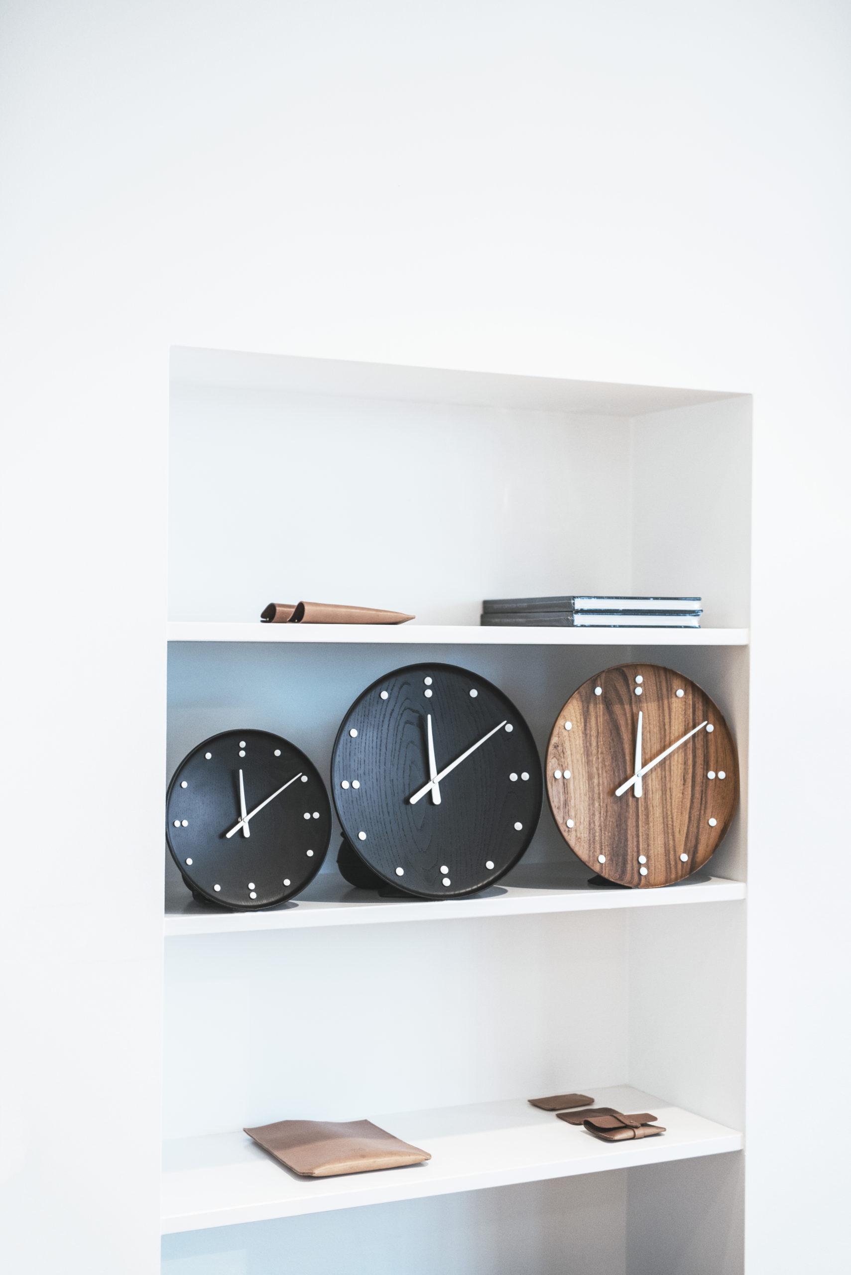 Architectmade-FJ-Clock-Wall-Clock-Teak-and-Ash-Wood-Denmark-Finn-Juhl-6