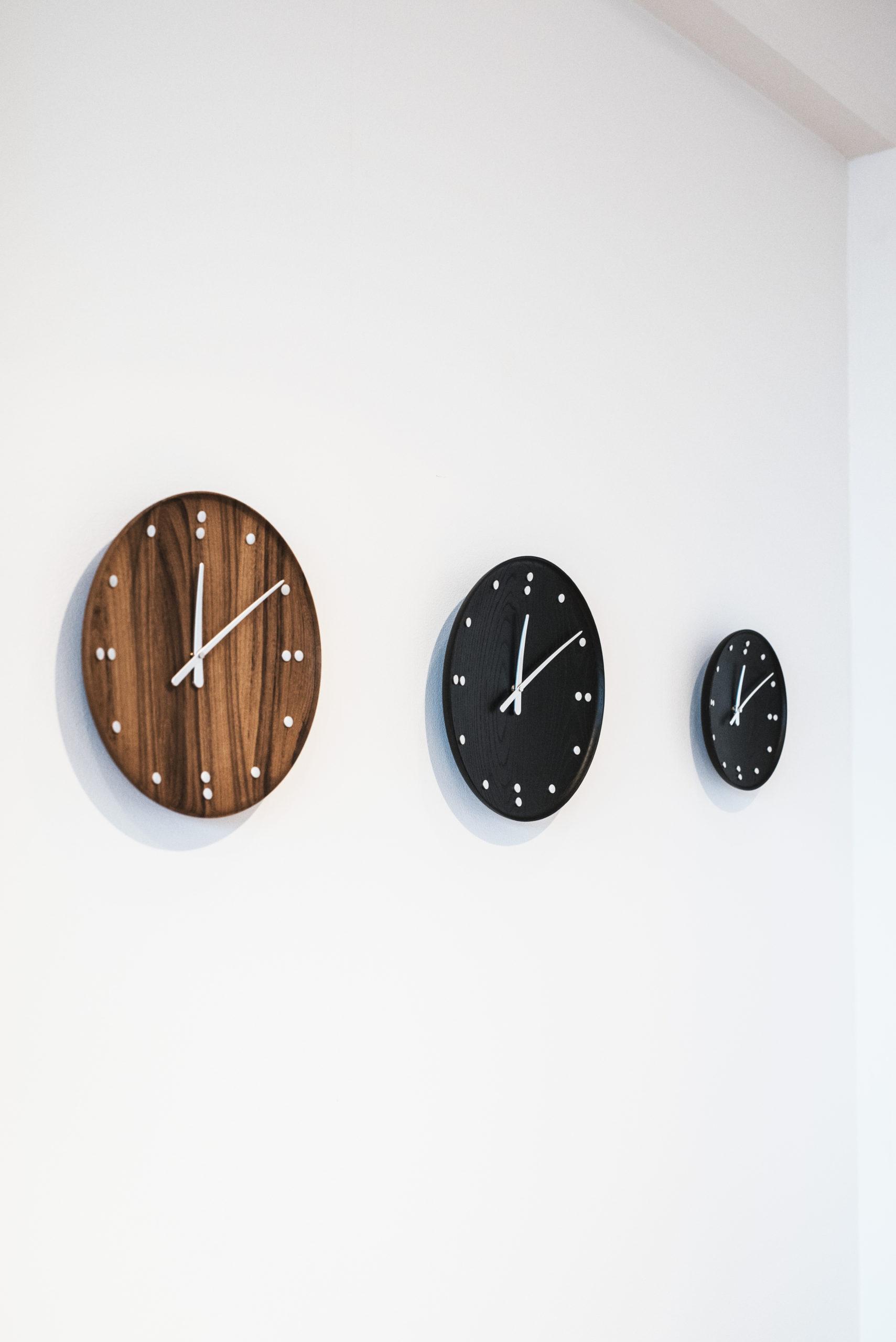 Architectmade-FJ-Clock-Wall-Clock-Teak-and-Ash-Wood-Denmark-Finn-Juhl-8