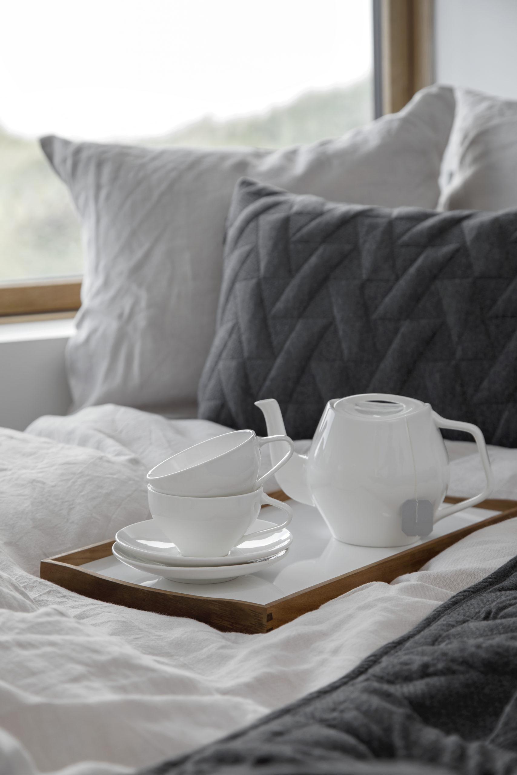 Architectmade-FJ-Essence-Porcelain-Tea-Set-Denmark-Finn-Juhl-5
