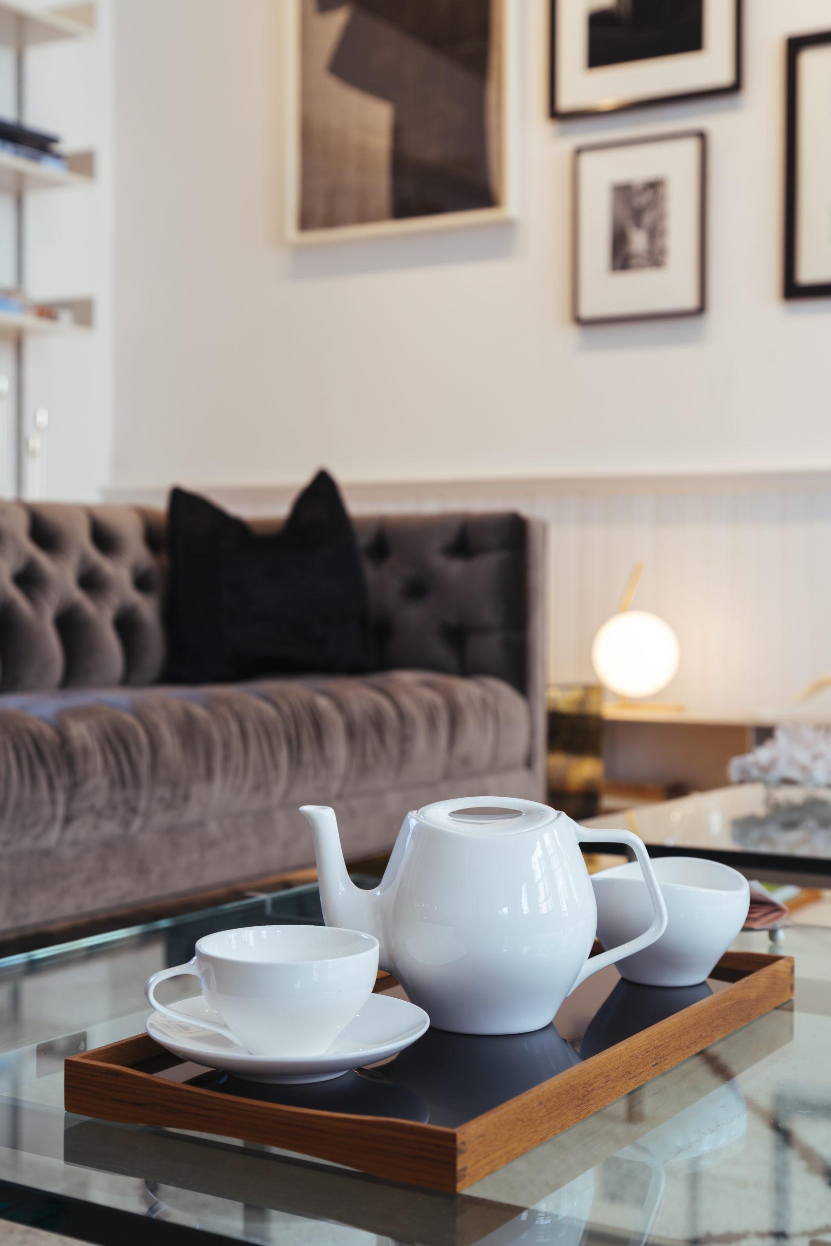 Architectmade-FJ-Essence-Porcelain-Tea-Set-Denmark-Finn-Juhl-6