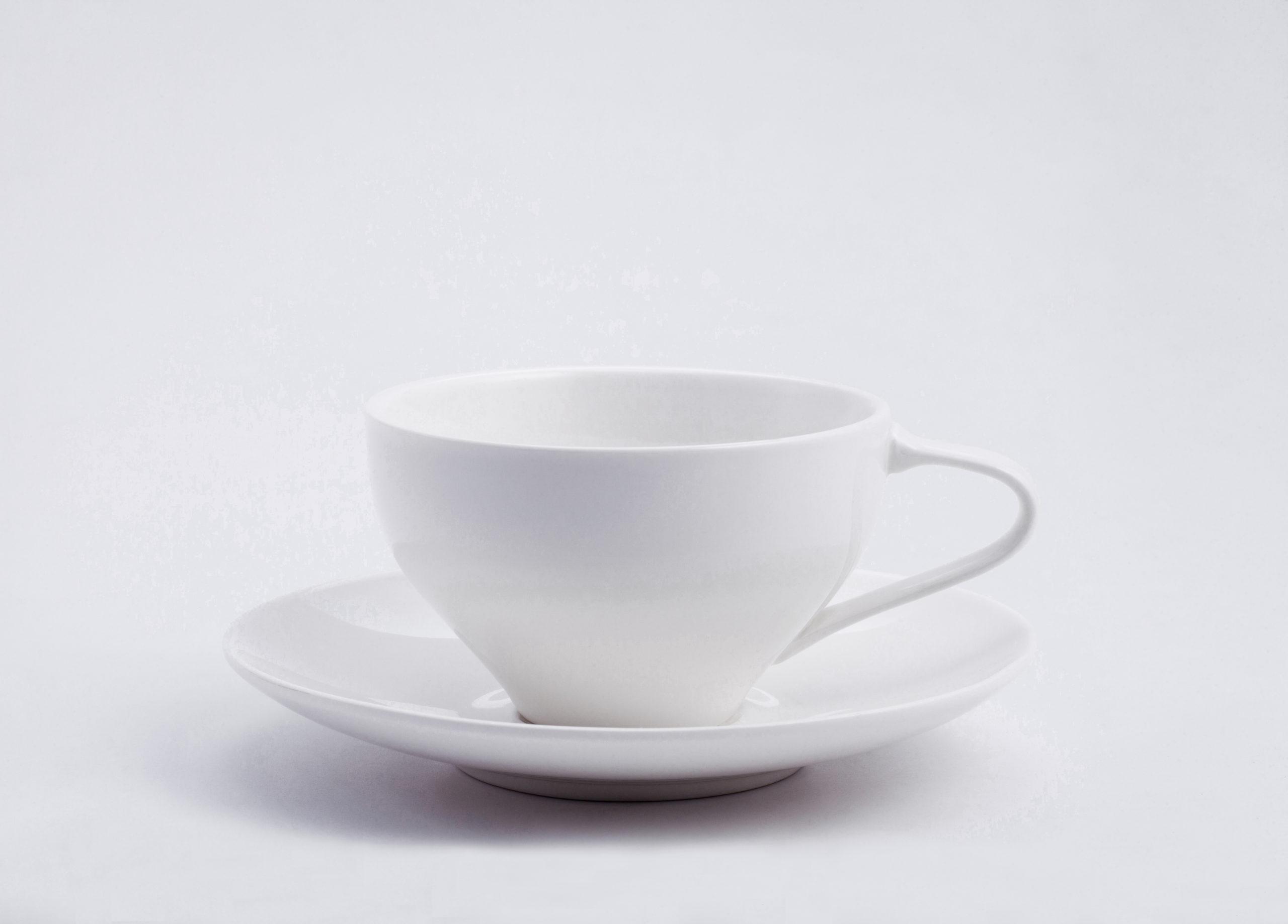 Architectmade-FJ-Essence-Teacup-And-Saucer-Porcelain-Finn-Juhl