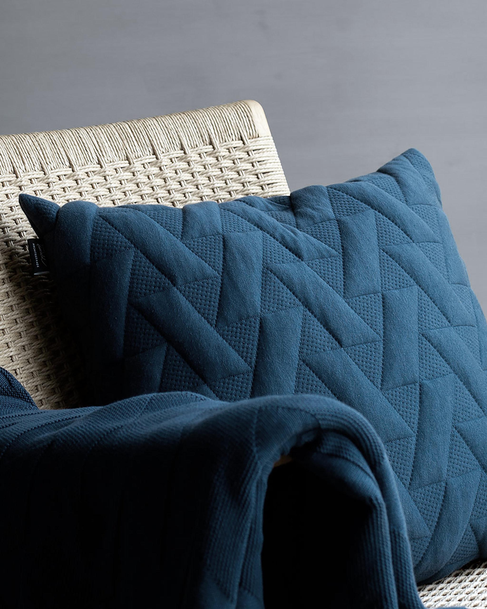 Architectmade-FJ-Pattern-Organic-Cotton-Pillows-Blankets-Denmark-Finn-Juhl-9