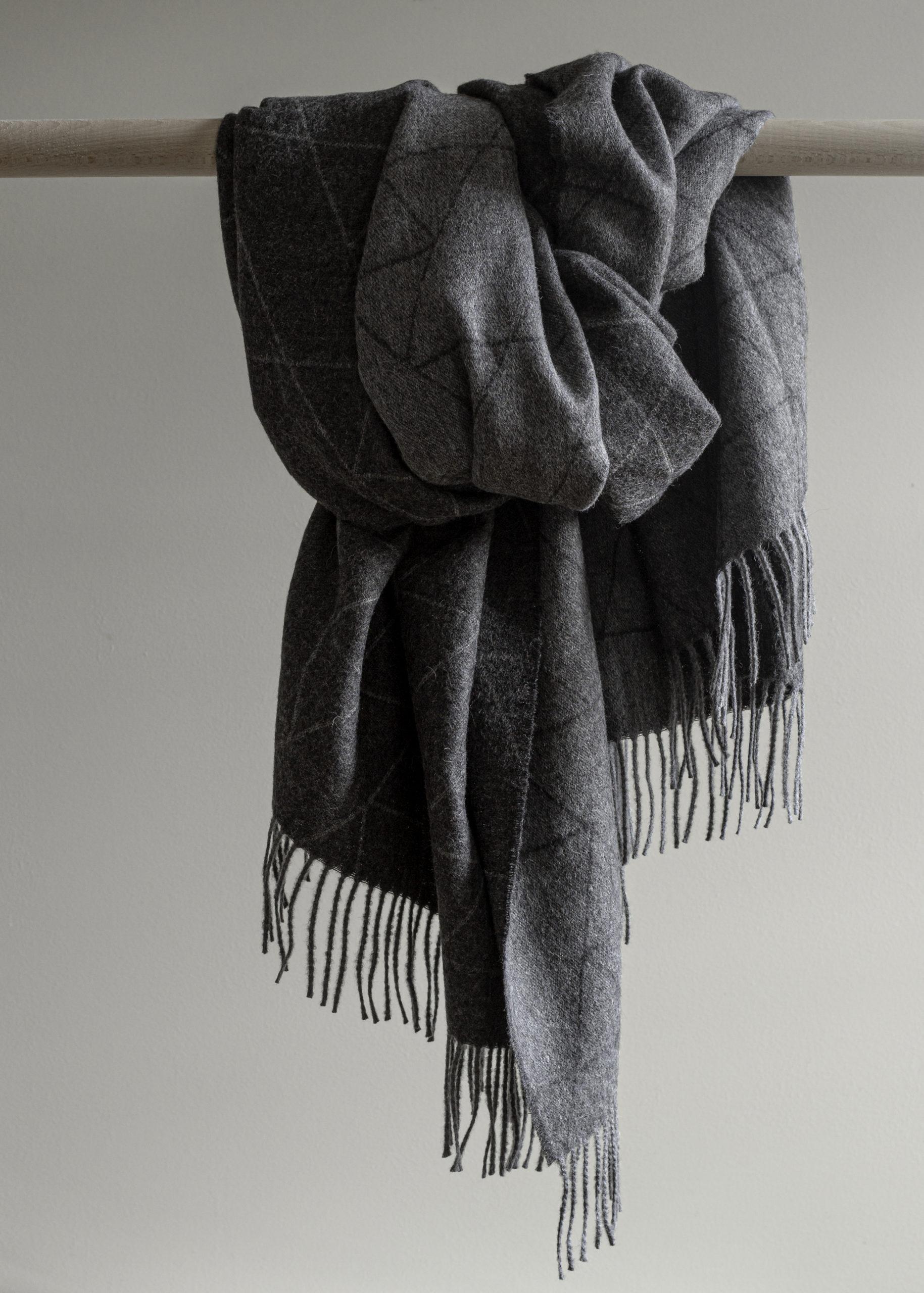 Architectmade-FJ-Pattern-Throw-Baby-Alpaca-Wool-Denmark-Finn-Juhl-4